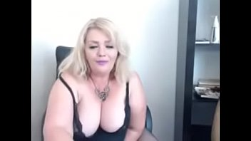 Girl vibrated to cum