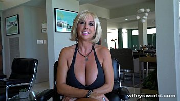 Charlie crist gay first wife