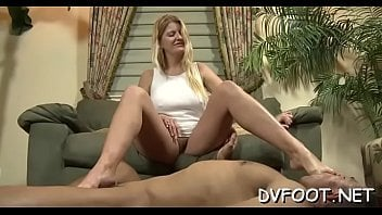 Woman Plays Sensuously With Her Hawt Soles On Feetdomvideos.com