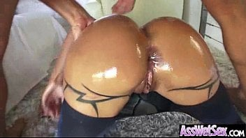 Big ass girl jewels jade get oiled and analy nail vid